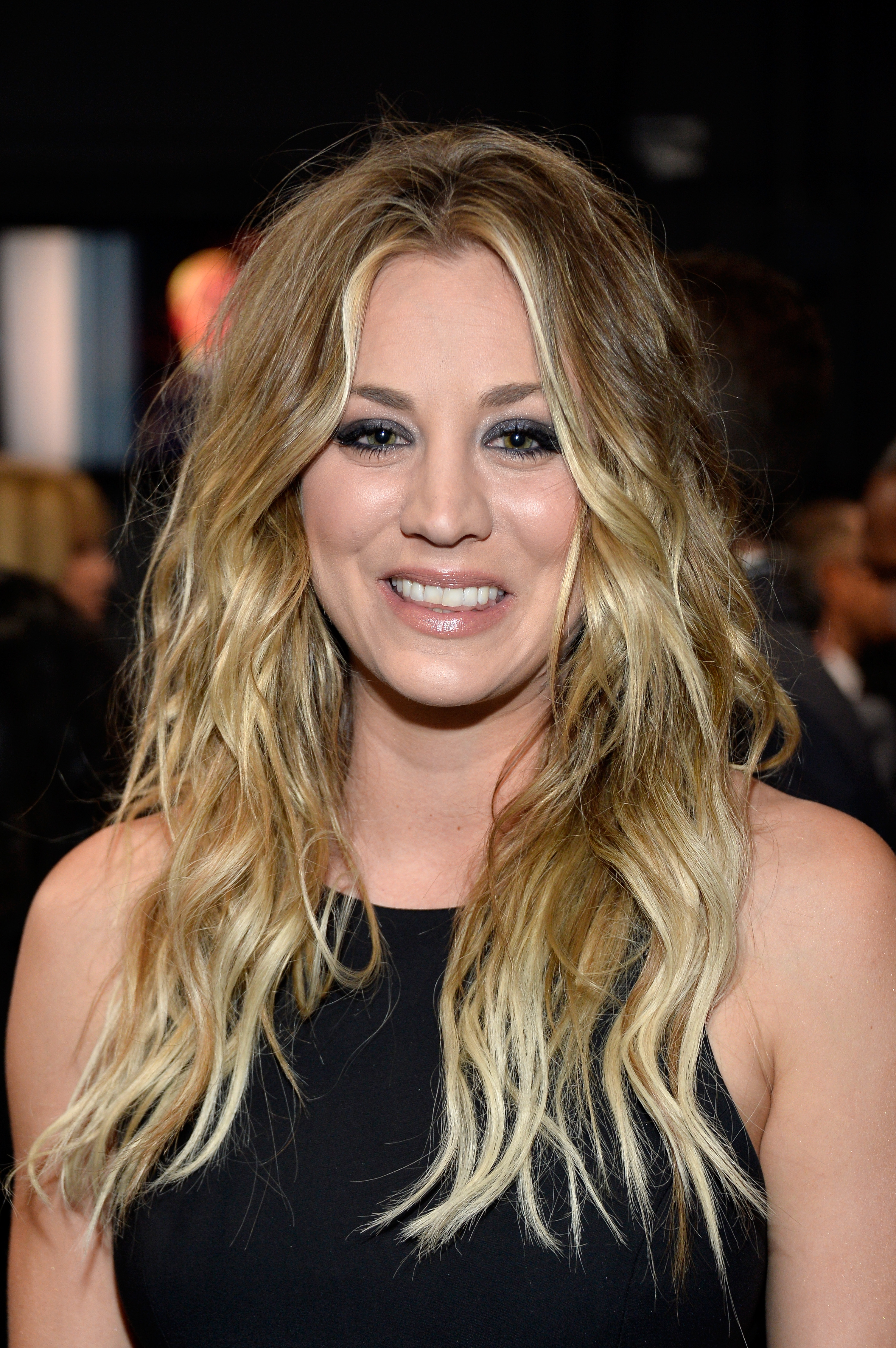 Celebrity Hair How To Kaley Cuoco At The Peoples Choice Awards