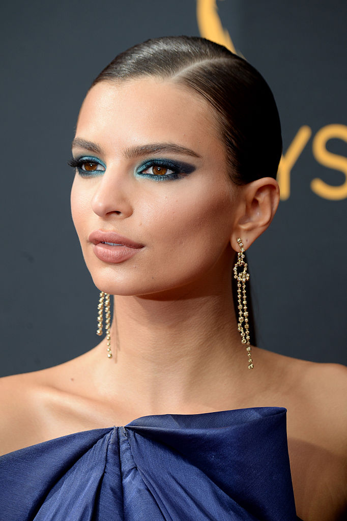 Emily Ratajkowski's Emmy Makeup How-To