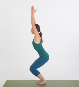 the 5 best buttbusting yoga poses  emilysuggests
